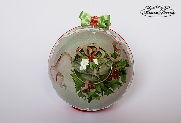 AnnaDecou Xmas handmade decoration, relief outliner, Weihnachtskugel, handarbeit.